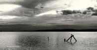 Moewe-gull-sea-silhouette-Landschaft-See-Lake-landscape-Minimalismus-minimalistisch-minimalistic-black-white-schwarz-weiss-C_SAM_1505a-sw